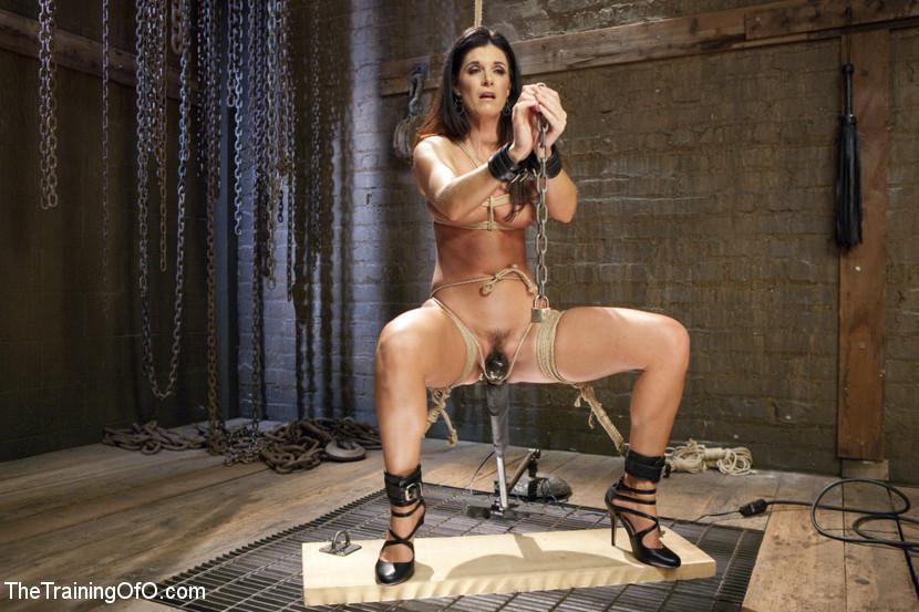 Rebecca Romijn Nude Gif