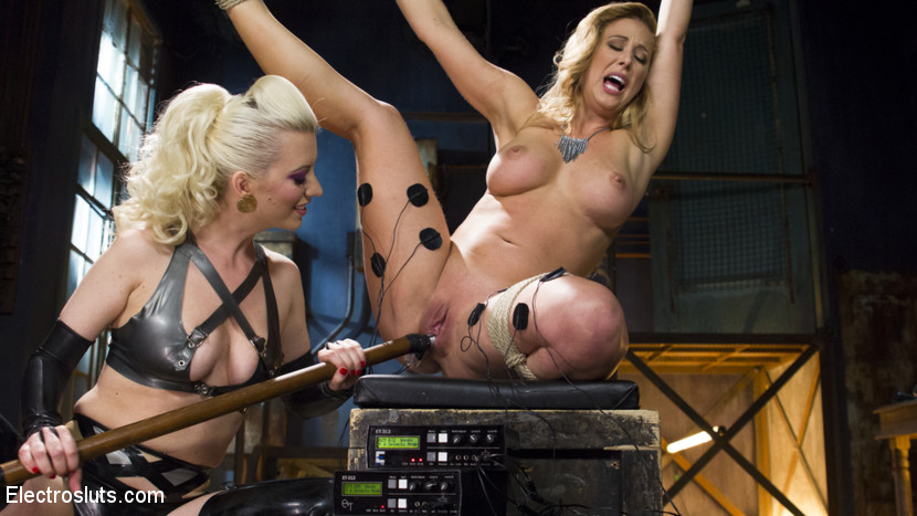 Lesbians in latex porn