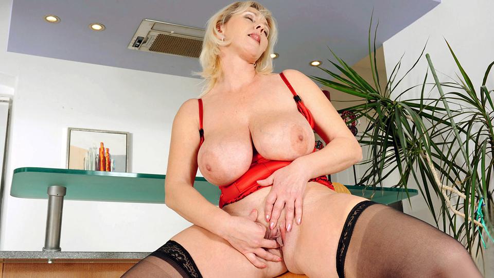 Moms thick panties