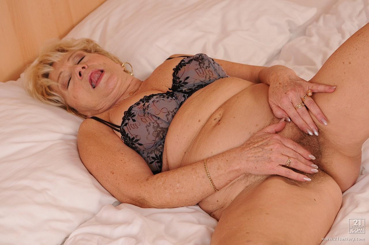 Beata Undine Dp malya – online porn 24