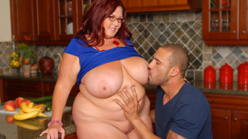 Big Boobs Star Peaches Larue Free Pics, Pictures And Biography